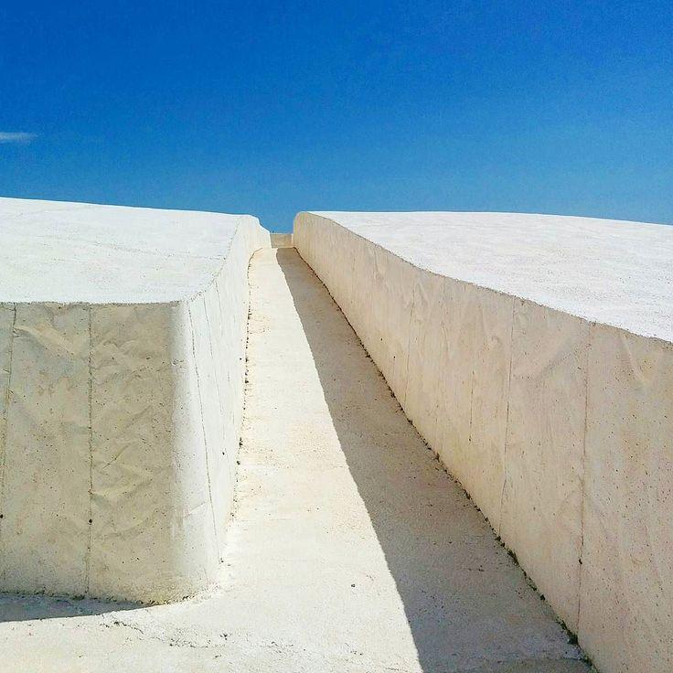 Grande Cretto di Burro a Gibellina.  #landart #grandecretto #gibellina #burri #arte #cemento #bianco #sicilia #art #bluesky #summer