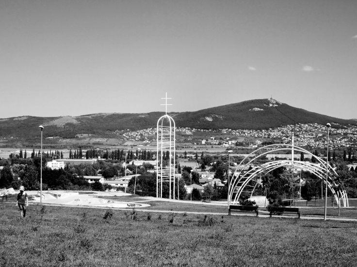 Visit Nitra Slovakia Oceľová konštrukcia poslúžila  počas návštevy pápeža v Nitre. Pápež Ján Pavol II. navštívil Slovensko 30. júna 1995.