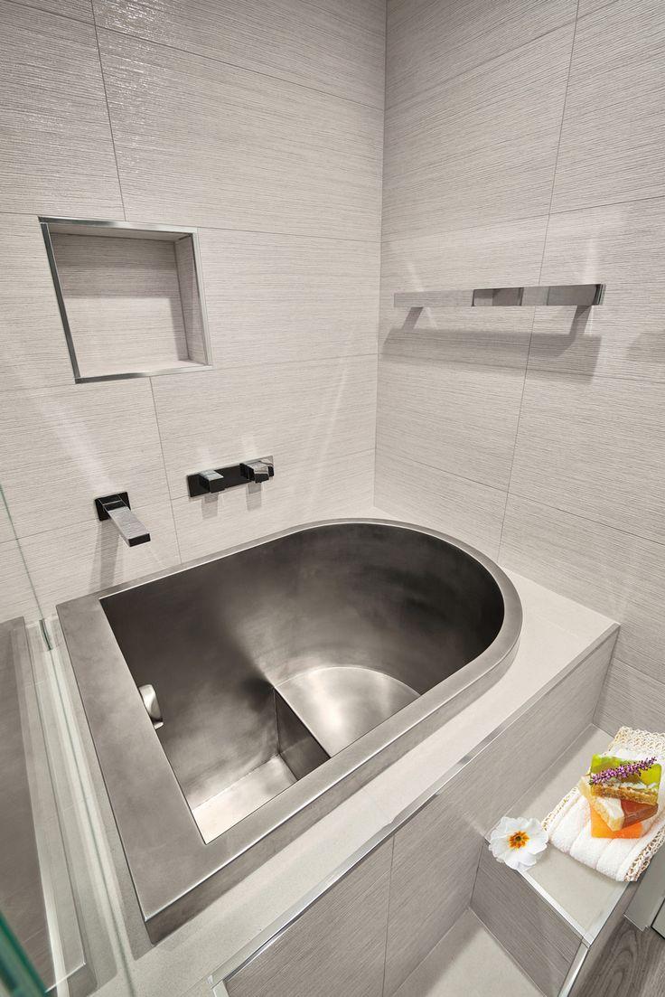 1000 ideas about japanese soaking tubs on pinterest. Black Bedroom Furniture Sets. Home Design Ideas