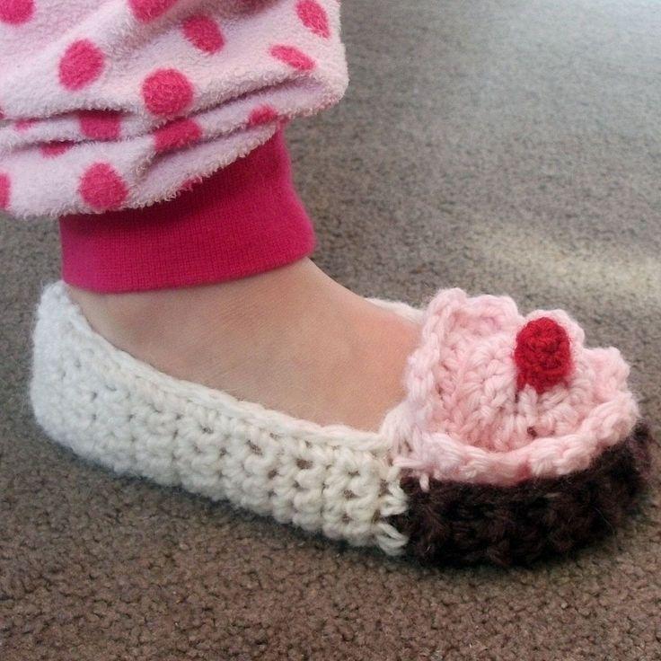 Free Crochet Slipper Patterns | CROCHET BABY SLIPPERS PATTERN | Crochet For Beginners