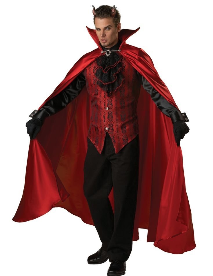 Disfraz Premium diablo hombre: Este disfraz de diablo para hombre incluye capa, camisa, guantes y cuernos (pantalón y zapatos no incluidos).La camisa es negra con mangas largas y satinadas. La parte delantera es roja con...