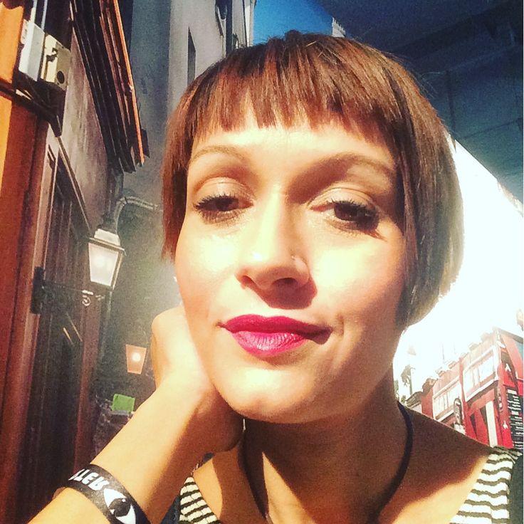 Non sono a Parigi ma la #glamourbeautyshow con #Lancome... @glamourmag https://business.facebook.com/mammarough/?business_id=1806432116238825