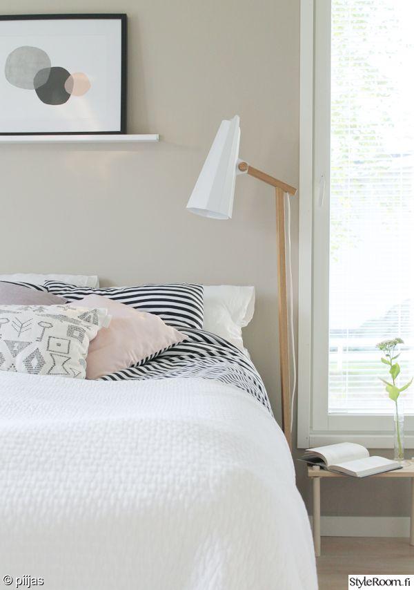 makuuhuone,makuuhuoneen sisustus,makuuhuoneen tekstiilit,filly,himmee,suomalainen design,suomalainen muotoilu,valaisin,lamppu,jalkalamppu,design