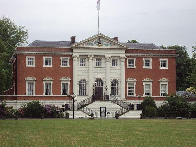 James Gibbs Neopalladianismo En La Arquitectura Barroca Inglesa Historia De La Arquitectura Town Hall House Of Plantagenet Town View
