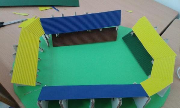 Seguimiento del progreso de construcción de las maquetas del estadio olímpico en el hashtag #iesparadorolimpiadas de twitter