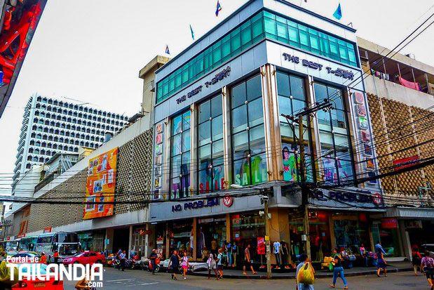 Hoy valoramos los 5 mejores centros comerciales de Bangkok. Su ubicación y mejores lugares para comprar recuerdos en la capital de Tailandia. Vienes a ver-los? #bangkok #tailandia #compras #centrocomercial #vacaciones #viajar  http://ift.tt/2vCEDvA