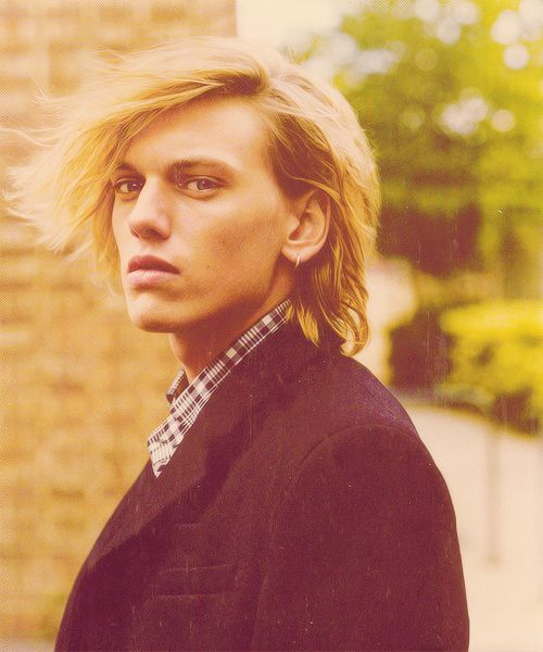Jamie Campbell Bower (Jace in the mortal instruments movie coming next august!!!)