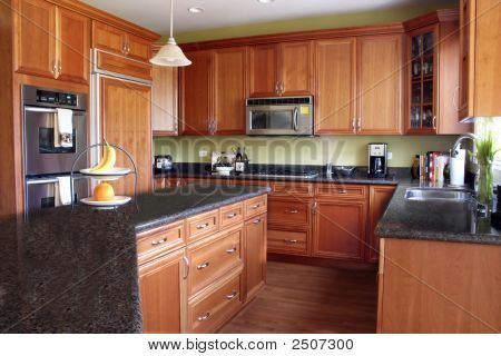 Best Cherry Wood Cabinets With Granite Cherry Wood Cabinets 640 x 480