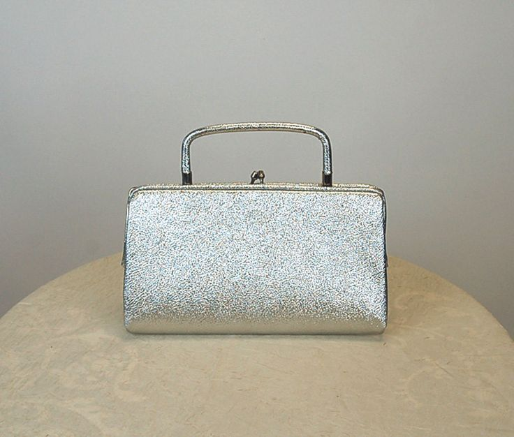 1960s silver purse, silver metallic purse, mod purse, evening bag, chrome frame, kiss clasp