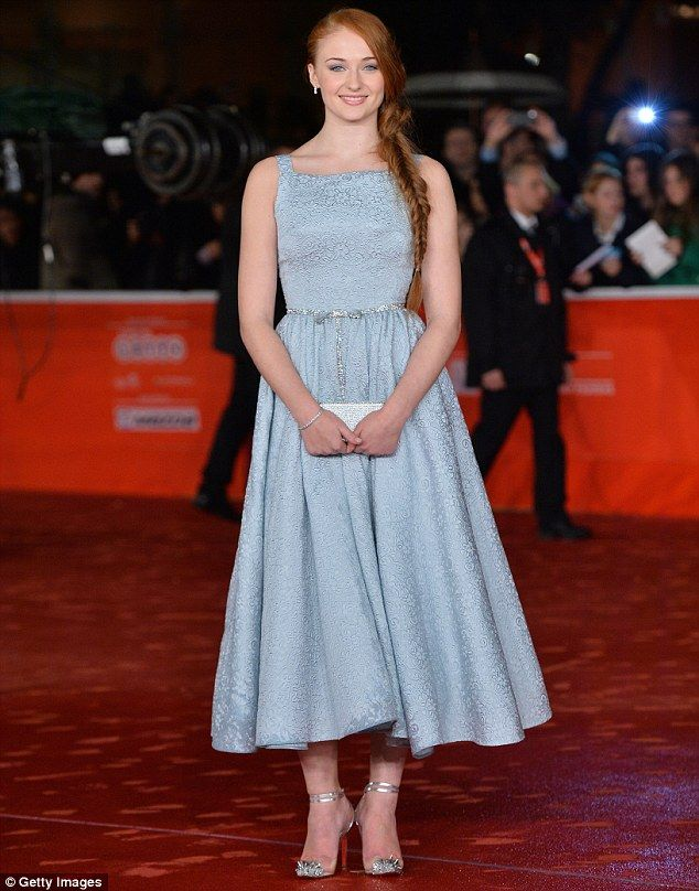 Game of Thrones' Sophie Turner wows in blue 1950s-style prom dress at premiere of Another Me | Mail Online