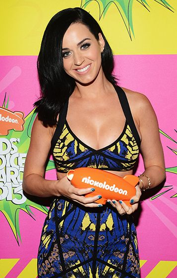 Katy Perry won the Nickelodeon Kids Choice Award for Favorite Female Singer at the USC Galen Center in L.A. on March 23. During her speech, she shouted, I love the kids!