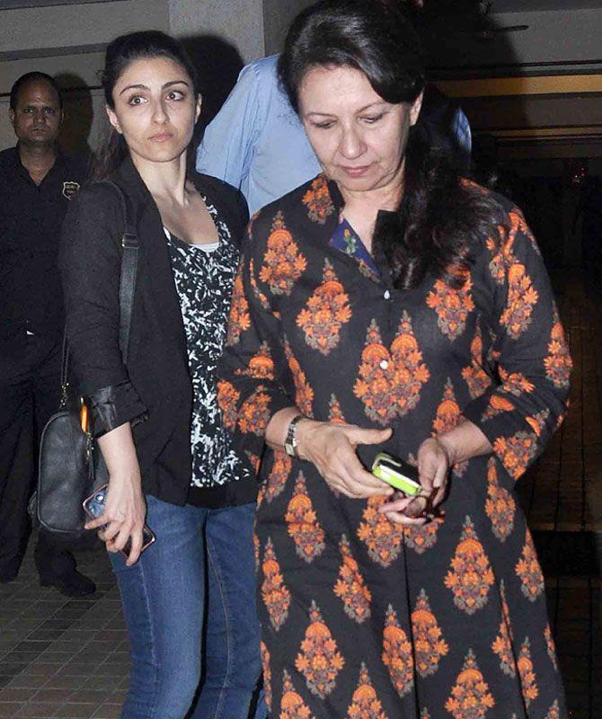 Soha Ali Khan with mother Sharmila Tagore arriving at Saif Ali Khan's house. #Bollywood #Fashion #Style #Beauty