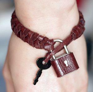 Braided Padlock Bracelet | AllFreeJewelryMaking.com
