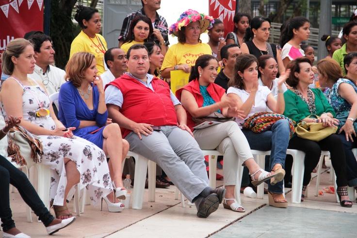 Colombia Humanitaria y el Viceministerio disfrutan de la feria