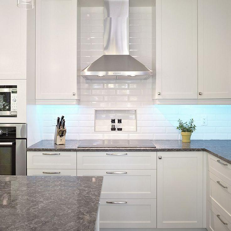 Espace de cuisine pour cuisine transitionnelle travaux - Hotte de cuisine stainless ...