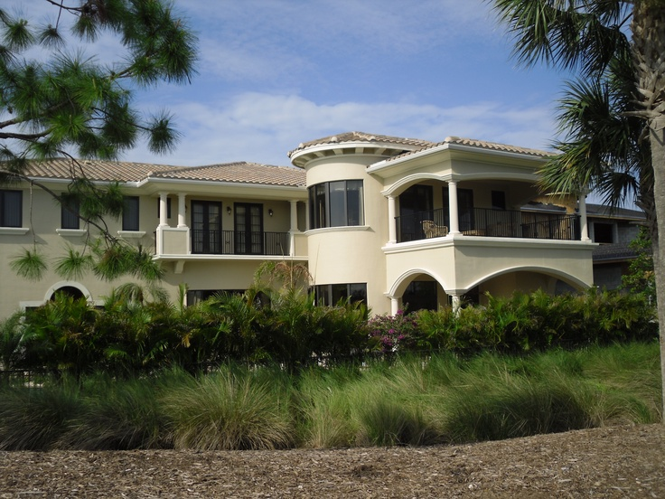 Golf course home on the 17th hole mirasol country club is - Palm beach gardens tennis center ...