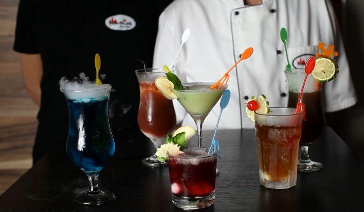 Przedstawiamy pięć przepisów na drinki z suchym lodem. Nie ma możliwości dodania obszernego przepisu na wspaniałego drinka dlatego przepis znajduje się w opisie na YouTube pod każdym z filmem.