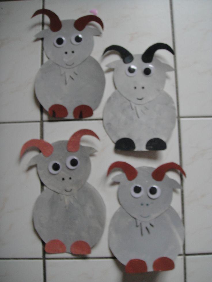 Les chèvres du nouvel an chinois 2015 http://nounoudescimes.canalblog.com/