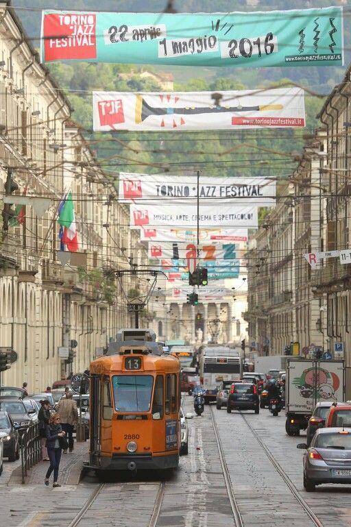 I manifesti del Torino Jazz Festival in Via Po