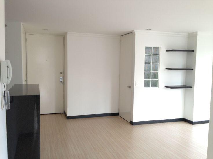 Colombia, Bogota, San Patricio.  Lindo apartamento en la calle 109 abajo de la Av. 19. Recién remodelado, para estrenar. Súper edificio.   http://www.colombiaexclusive.com/inmobiliaria/laventa.php?idventa=437