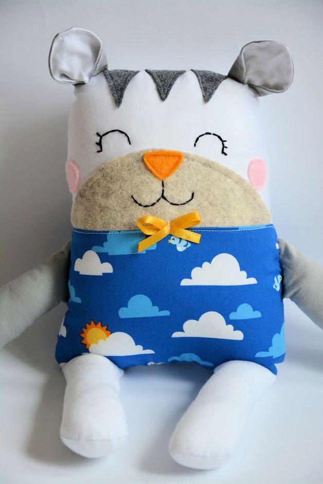 Kuscheltier Katze // cuddly toy, stuffed animal cat by Pani Niteczka via DaWanda.com