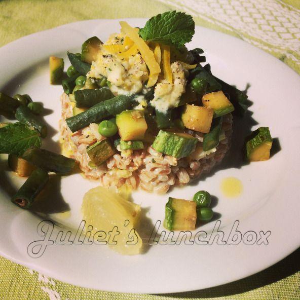 """La ricetta dell'INSALATA DI FARRO E PESTO DI LIMONI su https://julietslunchbox.wordpress.com  """"LEMON PESTO SPELT SALAD AND GREEN VEGETABLES"""" this and other recipes on https://julietslunchbox.wordpress.com"""