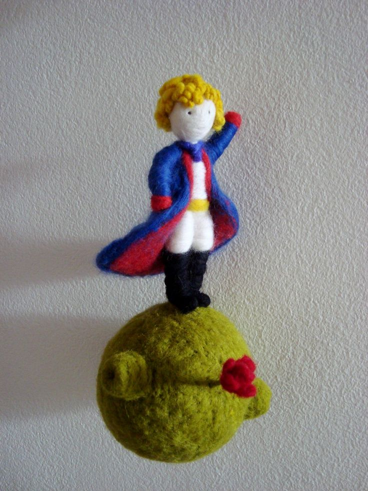 Needle felted Le Petit Prince by Karenpazfieltro