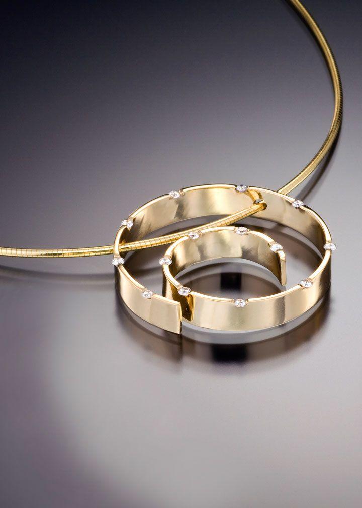 Spirale-pendant-yellow-gold