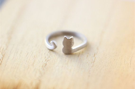 Sterling silver cat ring, as a memory for