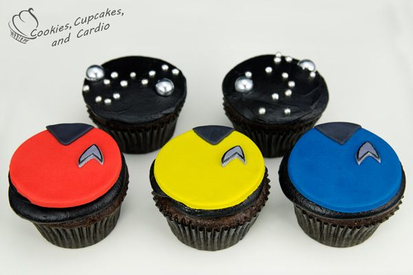 How to make Star Trek Cupcakes...guess which one gets eaten first!