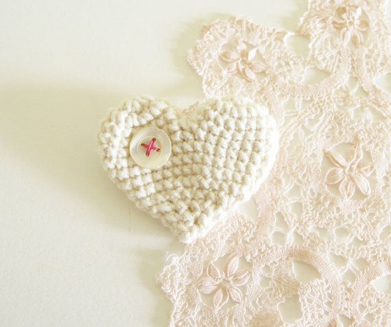 Creamy Crocheted Heart Brooch