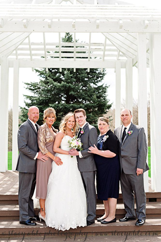 36 Must Have Family Wedding Photos