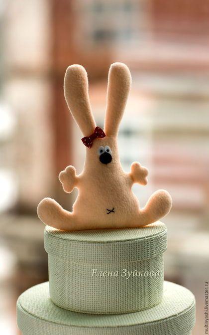 Fleece Bunny toy / Игрушки животные, ручной работы. Ярмарка Мастеров - ручная работа. Купить Зайка подарочный. Handmade. Кремовый, подарок на любой случай