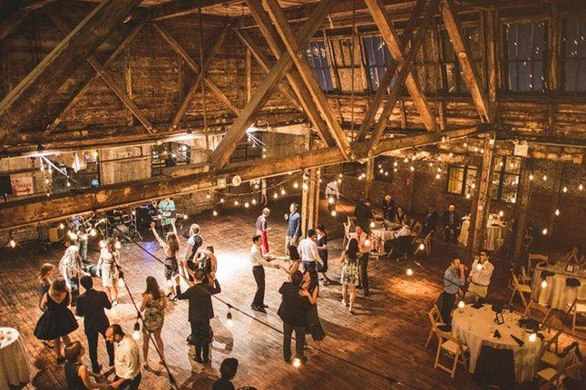 Greenpoint Loft Weddings Nyc Wedding Venue Brooklyn Ny 11222 Ny Wedding Venues Brooklyn Wedding Venues Loft Wedding