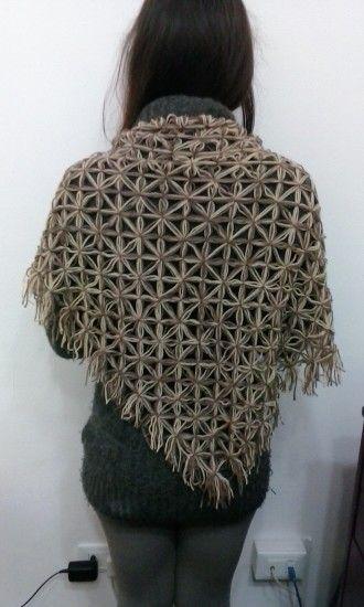 Scialle realizzato al telaio Visita la pagina https://www.facebook.com/pages/Il-Fabbricatore-di-Salvatore-Pullar%C3%A0/583580198379555