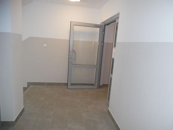 Zobacz jak prezentuje się klatka schodowa w budynku B na Bukowym Osiedlu.