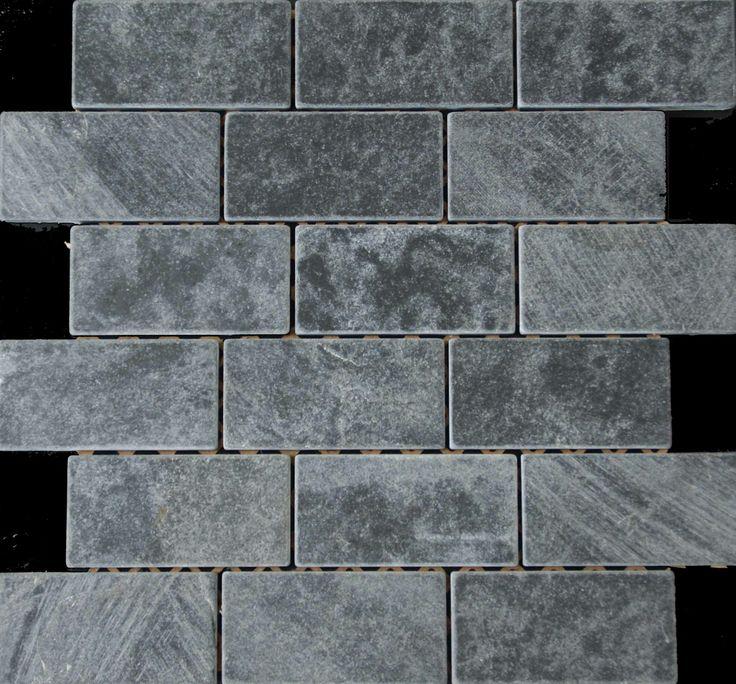 Mozaika marmurowa -  Kolekcja: Brico 510; Kod: B51010; Wykończenie: ANTICO; Materiał: Macedonian Black; Wym. Kostki: 5,0x10 cm; Wym. Plastra: 33,5x31,1 cm