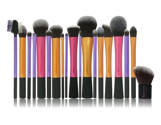 The best Real Techniques brushes makeup Now the promotion, discount of $ 5 on their first purchase less than $ 40 or $ 10 on their first purchase over $ 40 with iHerb code OWI469 http://youtu.be/GN4old3cbs4 Real Techniques Make-up Brushes. I currently own the retractble kabuki, which I use for my air brush amazonian clay foundation, and some other ones that I dont know the name of...but all in all I love these affordable brushes. #realtechniques #realtechniquesbrushes #makeup #makeupbrushes…