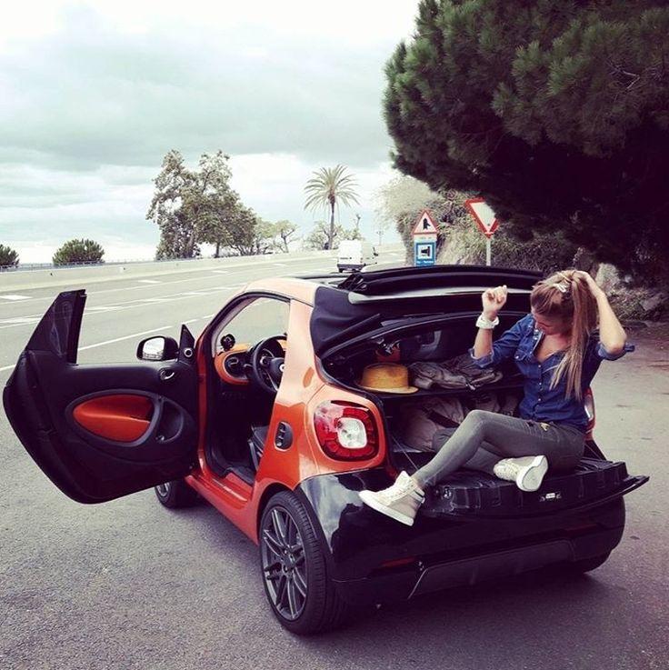 """Mercedes-Benz (@mercedesbenz_de) auf Instagram: """"Ganz bald schon ist Wochenende! Habt Spaß!  Foto via @lydiamateu [smart fortwo Cabriolet:…"""""""