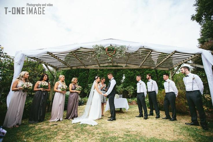 Wedding ceremony in the Sunken Garden Location: Morning Star Estate Photography: T-one Image www.t-oneimage.com