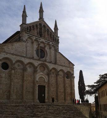 angela creatini - Google+ giochi di bambini a primavera #maremmans #CattedralediSanCerbone #MassaMarittima