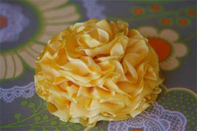 10 Beautiful Fabric Flower Tutorials
