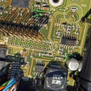 Control integral sin cables para instalaciones de riego por aspersión. Permite controlar todo el sistema de riego desde cualquier lugar con una aplicación remota. Es una red inalámbrica que interconecta diferentes dispositivos, que a su vez transmiten información para accionar unos actuadores.