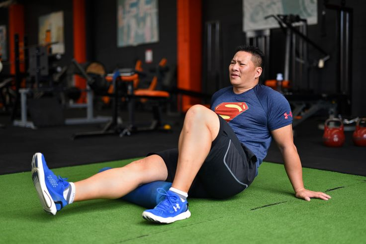 Single Hamstring Release Technique. Sit on the floor and position a foam roller under one hamstring. Place the rest of the bodyweight on one foot and both hands. Roll the hamstring backwards and forwards o the foam roller  for 30 seconds. This will release tight muscles in the hamstring. Repeat this movement for the other hamstring.