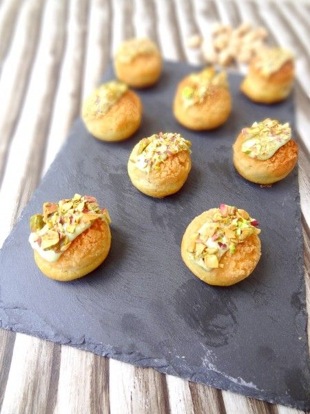 Choux framboise pistache