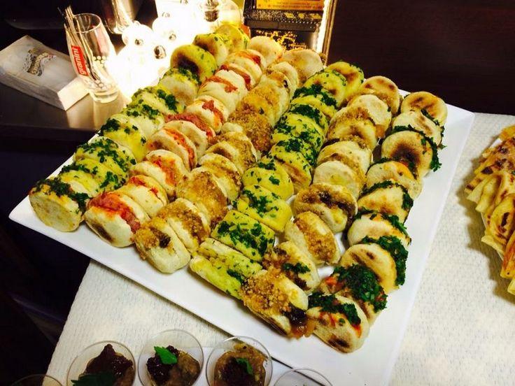 Le Zerda Café vous propose son service traiteur, pour tous vos événements : Repas d'affaire, familial, anniversaire, mariage et autres.