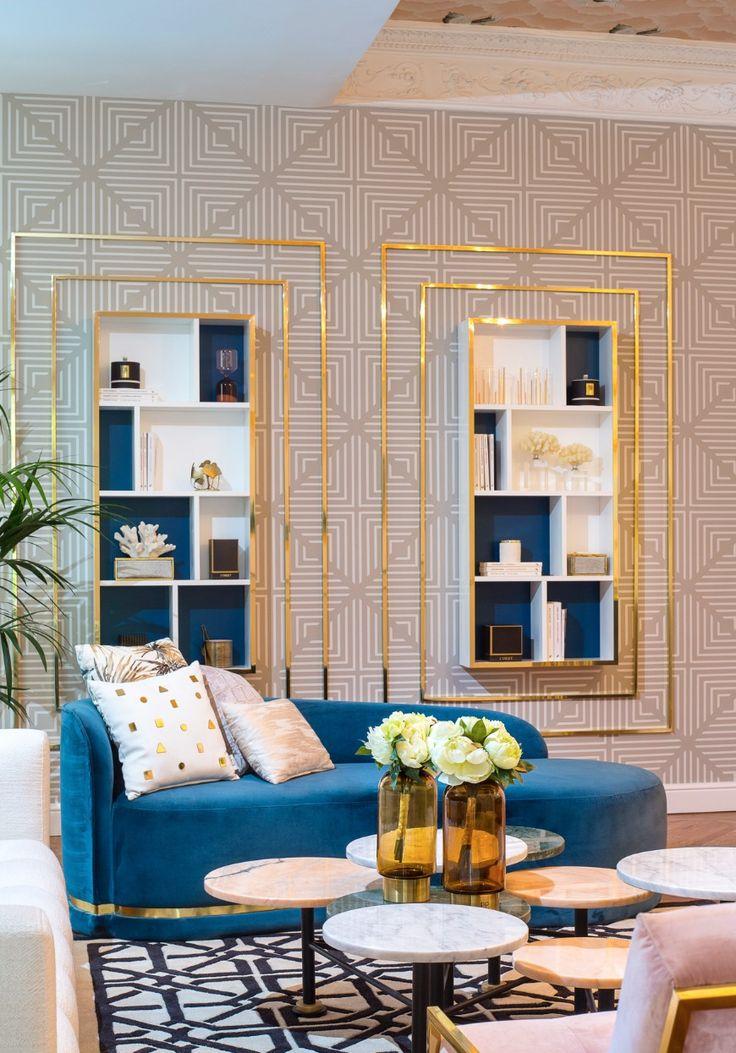 6 Tips On How To Decorate Around A Bold Velvet Sofa   decorating ideas, velvet sofa, modern sofas #decoratingideas #modernsofas #velvetsofa Read more: http://modernsofas.eu/2017/07/10/tips-decorate-bold-velvet-sofa/