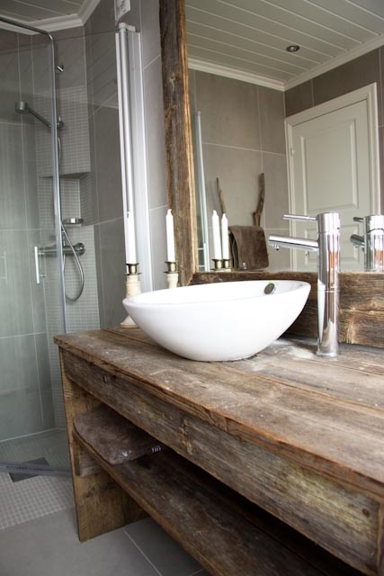 46 best ideer til sommerhus bad toilet images on for Recycled bathroom sinks