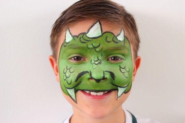 Paso a paso maquillaje de dinosaurio | Blog de BabyCenter