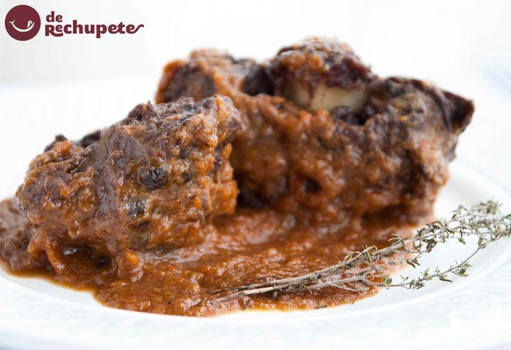 ¿Os gusta el rabo de buey? Aquí lo tenéis estofado al vino tinto http://www.recetasderechupete.com/rabo-de-toro-estofado-al-vino-tinto/12249/ #rabo #estofado